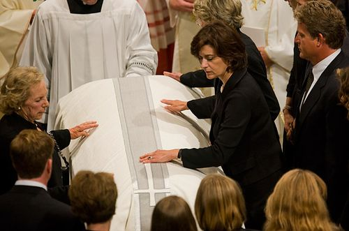 Kennedy_funeral_33