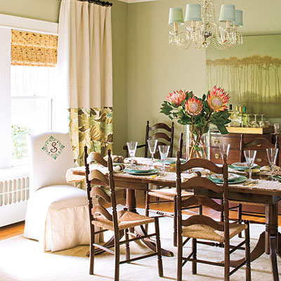 Southern-style-green-dining-room-l
